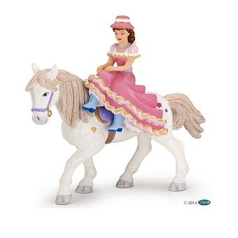 Cavalière au chapeau papo avec son cheval
